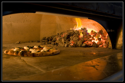 Reviw Tony C's Coal Fired Pizza Hill Country Restaurant Galleria in Bee Cave