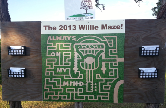 Barton-Hill-Farms-Bastrop-Texas-Fall-Festival-Corn-Maze-2013-3